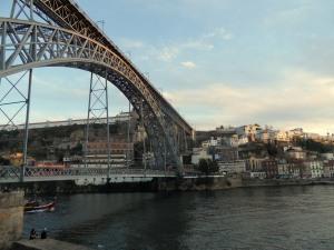 widok spod mostu...